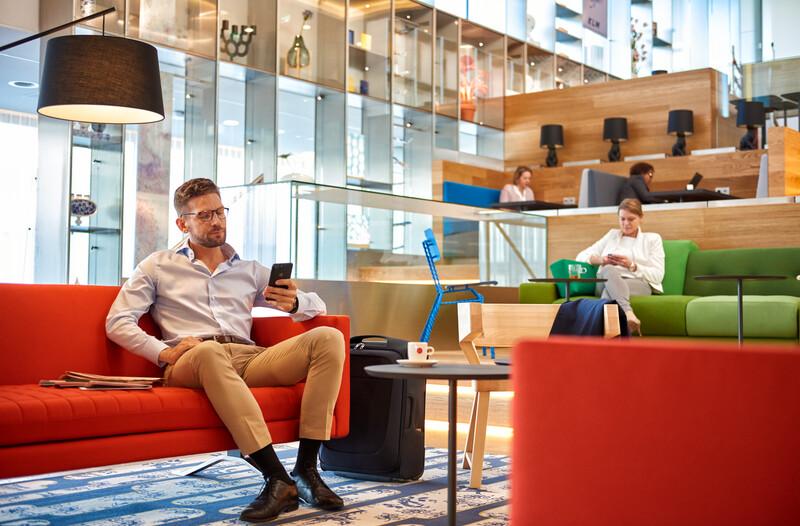 KLM vous propose des cabines de repos au Crown Lounge d'Amsterdam (non-Schengen)