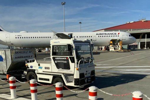 1ère mondiale : un véhicule à bagages autonome expérimenté à Toulouse