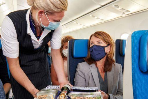 KLM réintroduit les repas à la carte